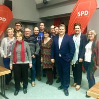Bundestagsabgeordneten Carsten Träger, 1. Bürgermeister Thomas Zwingel und der Vorstand der SPD Zirndorf